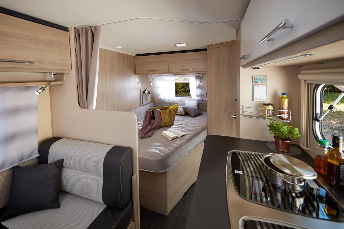 caravane antares 486 family caravanes caravelair. Black Bedroom Furniture Sets. Home Design Ideas